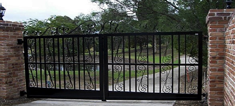 automatic driveway entry gates hinged