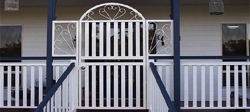 colonial style gate